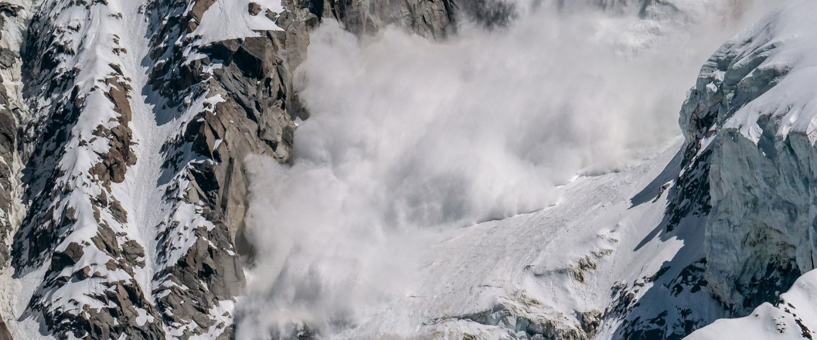 Annapurna Avalanche and Snowstorm