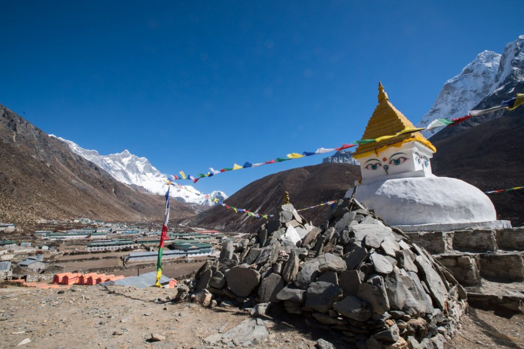 Everest base camp traek stupa and mountain