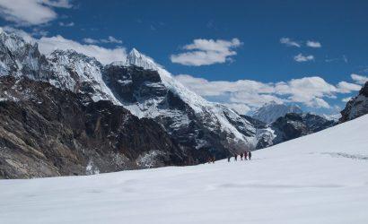 Everest Base Camp & Gokyo Lakes Trek via Cho La Pass