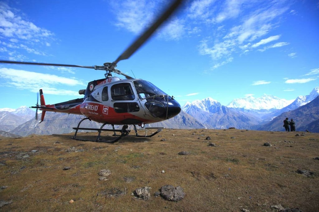 helicopter to everest